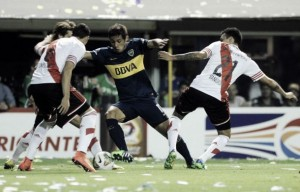 Insatiable: Boca's midfield dynamo Cesar Meli, never one to back down from a challenge. [Photo: www.vavel.com.ar]